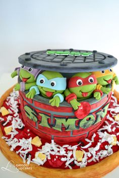 Teenaje Turtle Ninja Cake - For all your cake decorating supplies, please visit craftcompany.co.uk