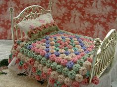 Dollhouse Linen, Cushions, Crochet Afghans, Bedspread & Pillows