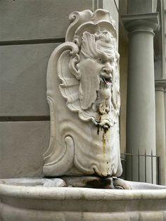 Florentine architectural element   #TuscanyAgriturismoGiratola