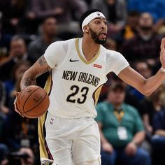 New Orleans Pelicans  big man Anthony Davis suffered an ankle injury during Wednesday's win over the  Sacramento Kings .          NBA .com noted Davis left in the third quarter after landing on Kosta Koufos' foot while going for a rebound... http://heysport.biz/index.html