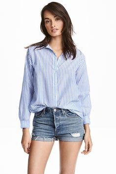 Long-sleeved, straight-cut shirt in woven cotton fabric with a turn-down collar and pearlescent buttons at front. Slightly longer at H&m Fashion, Fashion Online, Fashion Outfits, Cut Shirts, Printed Shirts, Swedish Brands, Stripe Print, Shirt Outfit, Trending Outfits