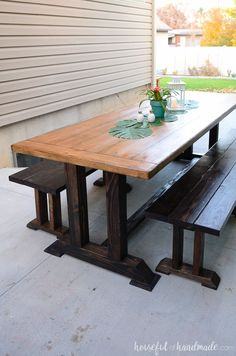 Create the perfect entertaining space with these outdoor dining table plans. A large picnic table with benches is a wonderful way to enjoy dinner outside. Dining Table With Bench, Dining Room Table, Slab Table, Wooden Dining Tables, Dining Sets, Outdoor Tables, Outdoor Dining, Pallet Table Outdoor, Pallet Benches