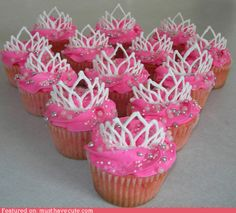 Pretty Pretty Princess cupcake decoration idea