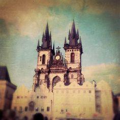 Hipstamatic Oggl       -       #prague Prague, Barcelona Cathedral, Notre Dame, Building, Travel, Viajes, Buildings, Trips, Traveling