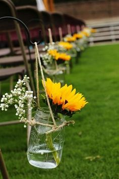 40 Sunflower Wedding Ideas for a Rustic Summer Wedding - Page 4 of 4 - Oh The We. - 40 Sunflower Wedding Ideas for a Rustic Summer Wedding – Page 4 of 4 – Oh The Wedding Day Is Com - Perfect Wedding, Fall Wedding, Rustic Wedding, Dream Wedding, Budget Wedding, Wedding Planning, Wedding Advice, Chic Wedding, Sunflower Wedding Decorations