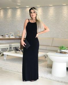 Mais um dress cheio de charme, e o melhor, com um super decote nas costas!🖤 ⠀ ⠀ ⠀ .⠀ #modafeminina #fashion #moda #mulher #lojabiswear #elasusambiswear #dicatrend Ideias Fashion, One Shoulder, Formal Dresses, Womens Fashion, How To Wear, Jeans, Instagram, Open Backs, Female Models