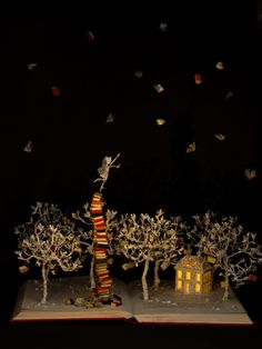 Su Blackwell's art brings happiness to the heart.  « Illustration Friday http://illustrationfriday.com/2015/04/su-blackwell/?utm_content=buffer23bd2&utm_medium=social&utm_source=twitter.com&utm_campaign=buffer