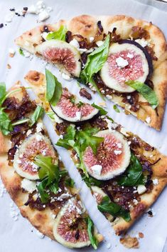 Fig and caramelized onion flatbread is a summer must! Fresh figs combined with caramelized onions is one of the most delicious combos. Fig Season, Sweet Paul, Cooking Recipes, Healthy Recipes, Pancake Recipes, Burger Recipes, Pizza Recipes, Breakfast Recipes, Fresh Figs