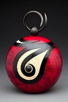 Contemporary Gourd Art by The Browning House/Stephen Browning and Valentin Ruesga. Ceramic Pottery, Pottery Art, Ceramic Art, Decorative Gourds, Hand Painted Gourds, Sculpture Art, Sculptures, Native American Pottery, Art Carved