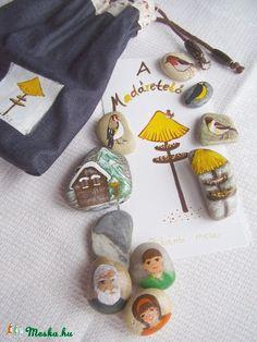 Ritánti kavicsmese: A madáretető (tothrita7) - Meska.hu Story Stones, My Rock, Love Painting, Give It To Me, How To Make, Painted Rocks, Elsa, Diy, Inspiration
