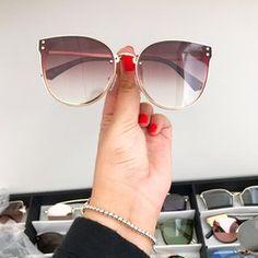 Four Eyes, Sorrento, Cute Jewelry, Sunnies, Eyeglasses, Bag Accessories, Eyewear, Jewerly, Shades