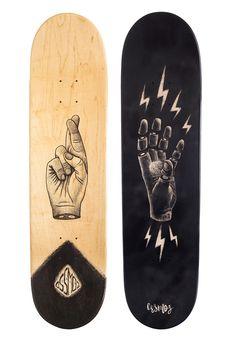 2 nouveaux skateboards custom by Ozzmoz Skateboard Deck Art, Skateboard Design, Custom Skateboards, Cool Skateboards, Skate Shape, Art Patin, Longboard Design, Skate Art, Skate Decks