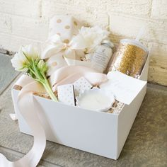 CURATED GIFT BOX Marigold & Grey creates artisan gifts for all occasions. Wedding welcome gifts. Workshop swag. Client gifts. Corporate event gifts. Bridesmaid gifts. Groomsmen Gifts. Holiday Gifts. Order online or inquire about custom gift design. http://www.marigoldgrey.com Image: Lisa Ziesing of Abby Jiu Photography