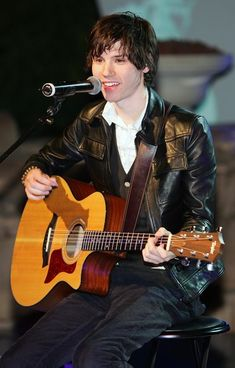 Ryan Ross Photos Photos - Guitarist Ryan Ross of the band Panic! at the Disco performs at a housewarming party for Sacramento Kings co-owner Gavin Maloof October 25, 2007 in Las Vegas, Nevada.  (Photo by Ethan Miller/Getty Images) * Local Caption * Ryan Ross - Gavin Maloof's Exclusive Housewarming Party