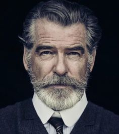 Portrait Photography Inspiration Picture Description Pierce Brosnan Jokes His Wife Is 'Very Fond' of the Beard He Grew for 'The Son'. Men's Healthy Foto Face, Foto Glamour, Beard No Mustache, Beard Care, Beard Growth, Hair And Beard Styles, Facial Hair Styles, Short Hair Styles Men, Beard Styles For Men
