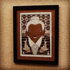 Gravura do artista Ribeiro, exposta na Graffiti Shop King Cap (@kingcapsp) na Vila Madalena, em moldura 4x1 preta. #cidomolduras #quadro #moldura #framed #frame #board #gravura #poster #print #kingcapsp #a7ma #ribeir