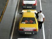 Taxis am #Kuala #Lumpur #Airport. Alles was Sie über den Flughafen, Taxis, Busse oder den KLIA Ekspress wissen sollten erfahren Sie hier, auf Deutsch:  http://www.malaysiaurlaub.net/kuala-lumpur-airport-flughafen-kuala-lumpur/