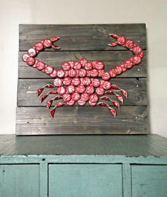 Crabs & beer anyone?? Beer bottle cap art. ❤️❤️