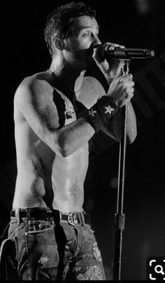 Photo of Sully Live for fans of Sully Erna 19197676 Gorgeous Eyes, Beautiful Men, Beautiful Things, Daddy I Love You, My Love, Music Stuff, My Music, Sully Erna, Hottest Guy Ever