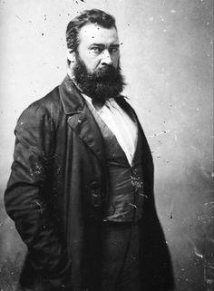 1814 1875 Jean-François Millet, est un artiste-peintre réaliste, pastelliste, graveur et dessinateur français du XIXᵉ siècle, l'un des fondateurs de l'école de Barbizon. Wikipédia