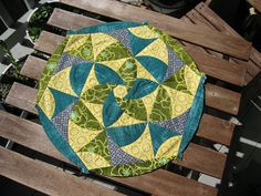 Paper Pieced Medallion courtesy of Dan R at Piece and Press (templates on Flickr)
