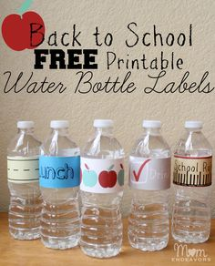 Easy & fun drink ideas for school lunches, with FREE school themed water bottle label printables via momendeavors.com