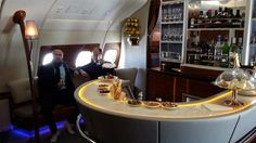 #A380 The bar on the plane - Emirates