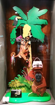 Kids Store Display, Dolce Gabbana Store, Tropical, Store Windows, Ss 2017, Window Design, Accessories Store, Window Shopping, Visual Merchandising