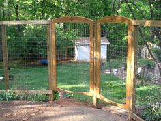 garden fencing to keep deer out and chickens in. I like this simple style