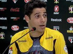 Cicinho critica jornalistas: só dá Corinthians!