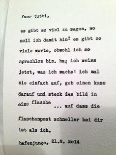 """Tuttis Inspirationswort: Flaschenpost. Diese Karte entstand im Hafenjungen in Wien unter dem Motto """"Happy Typing für Drinks"""". Fotos daher teilweise etwas unscharf … :-)"""