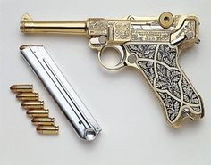 Oh My Lord. who keeps on disguising pieces of art as weapons, really I would never fire that!( is it just me or does this look like 007 gold fingers revolver? Weapons Guns, Guns And Ammo, Armas Ninja, Survival, Gun Art, Fire Powers, Custom Guns, Cool Guns, Panzer