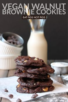 Simple, easy, and delicious vegan walnut brownie cookies are the perfect treat for parties and get-togethers! Vegan Dessert Recipes, Delicious Vegan Recipes, Whole Food Recipes, Cookie Recipes, Vegetarian Recipes, Veg Recipes, Copycat Recipes, Easy Vegan Cookies, Cookies