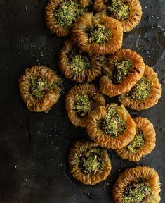 Kuş Gözü Baklavası - Baklava Bird's Eye, a type of baklava with a different format that simulates a nest. Made with nuts and pistachios. Pastry Recipes, Baking Recipes, Vegan Desserts, Dessert Recipes, Turkish Baklava, Orange Blossom Water, Turkish Delight, Slow Food, Pastry Shop