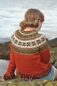 This is one gorgeous sweater! Motif Fair Isle, Fair Isle Pattern, Norwegian Knitting, Icelandic Sweaters, Quirky Fashion, Fair Isle Knitting, Knit Picks, Knitting Patterns, Knitting Projects