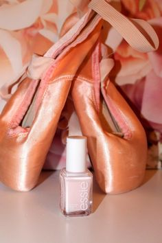 MilaLanusa´s Beauty and Fashion World: Essie Nagellack ballet slippers