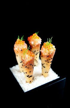 The French Laundry Salmon Tartare Cornets: shape the black sesame tuile batter into cones, bake them to a golden brown. Make sweet red onion crème fraîche & salmon tartare (chives/shallots/olive oil). Seafood Recipes, Wine Recipes, Appetizer Recipes, Cooking Recipes, Salmon Appetizer, Mini Appetizers, Burger Recipes, Aperitivos Finger Food, Salmon Tartare
