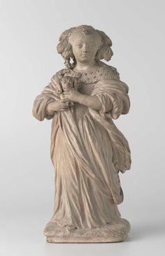 Pieter Xaveri | Dame met schoothondje, Pieter Xaveri, 1673 | Zij staat op een rechthoekig grondje met het rechterbeen naar voren en met het hoofd even naar rechts gewend. Op de rechterarm, waarover de rok is opgenomen, draagt zij een hondje, dat zij met beide handen vasthoudt. Haar kapsel bestaat uit op het voorhoofd gescheiden haar, dat vanaf het midden van het hoofd strak opzij en naar achteren loopt en in pijpenkrullen op schouder en rug valt. Op het hoofd een v-vormige haarklem (?) met…