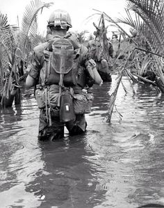 Leathernecks of the Marine Regiment Special Landing Force, wade through Vietnamese streams in search of the enemy during Operation Valiant Hunt, 22 miles south of Da Nang. Photo by: Cpl Anthony Wolfe, USMC Vietnam History, Vietnam War Photos, Vietnam Veterans, American War, American History, Usmc, Marines, War Image, War Photography