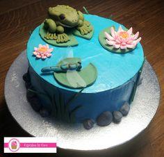 Toad & pond cake  Pastel decorado - sapo y charco  http://cupcakesbycocobcn.com/pasteles/