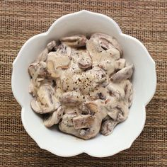 """""""Stay-Married Mushrooms"""" in a sour cream sauce. Very simple. Makes a good topping/ gravy over rice or other grain-based side dishes. Side Dish Recipes, Veggie Recipes, Healthy Recipes, Delicious Recipes, Veggie Meals, Healthy Eats, Chicken Recipes, Dinner Recipes, Veggie Side Dishes"""
