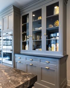Christopher Peacock Talks Cabinets, Inspirations, and His Own Kitchen Style : Christopher Peacock Talks Cabinets, Inspirations, and His Own Kitchen Style - Connecticut Cottages & Gardens - July 2018 - Connecticut Home Decor Kitchen, Beautiful Kitchens, Kitchen Cabinets, Kitchen Room, Kitchen Remodel, Modern Kitchen, Home Kitchens, Kitchen Style, Kitchen Renovation