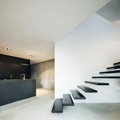 HOUSE IN L'AMETLLA DEL VALLÈS by MIRAG