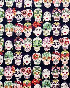 Tela FQ :: Frida & skulls :: de nosgustanlosretros por DaWanda.com