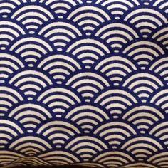Tissu à motif japonais seigaiha vagues bleu 100% coton