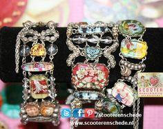 Dameskleding en Sieraden - Onze collectie sieraden, in de meest veelzijdige vormen, doet iedere bezoeker van onze winkel verbazen. De kleurrijke oorbellen, halskettingen, armbanden en ringen glitteren en glinsteren in de mooie vitrines.  Misschien een leuk idee voor een verjaardagscadeau?