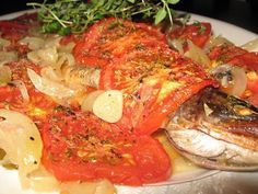 Paella, Thai Red Curry, Fish, Chicken, Ethnic Recipes, Food, Pisces, Cubs