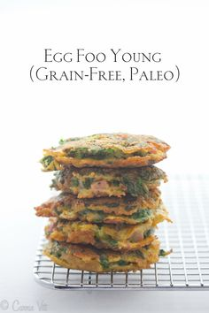 Young Egg foo young is a quick and easy lunch or snack idea! This grain free version is soooo yummy!Egg foo young is a quick and easy lunch or snack idea! This grain free version is soooo yummy! Paleo Snack, Paleo Dinner, Healthy Snacks, Healthy Recipes, Paleo Food, Healthy Options, Paleo Pizza, Paleo Ideas, Whole30 Recipes