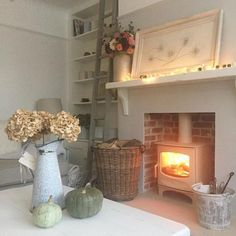 38 Ideas for living room small fireplace log burner Cottage Living Rooms, Cottage Interiors, Small Living Rooms, My Living Room, Home And Living, Living Room Designs, Living Room Decor, Cozy Living, Dining Room