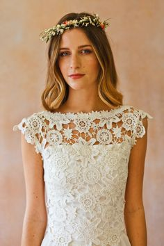 close-up-view-amy-lace-top-for-boho-bride